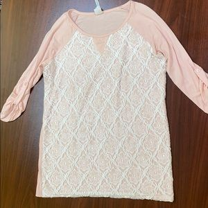 Pink and White Lace Shirt 3/4 sleeves